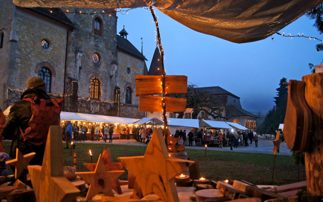 Sterne und Lichter führten in den Schlosshof