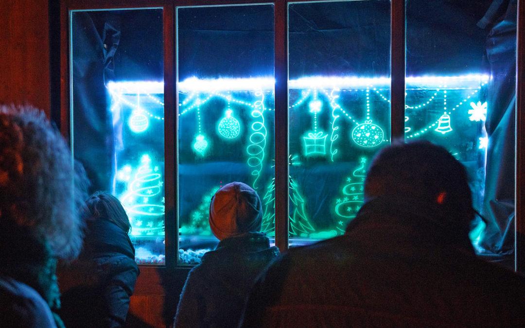 Kreative Adventsfenster entzücken Lurtiger